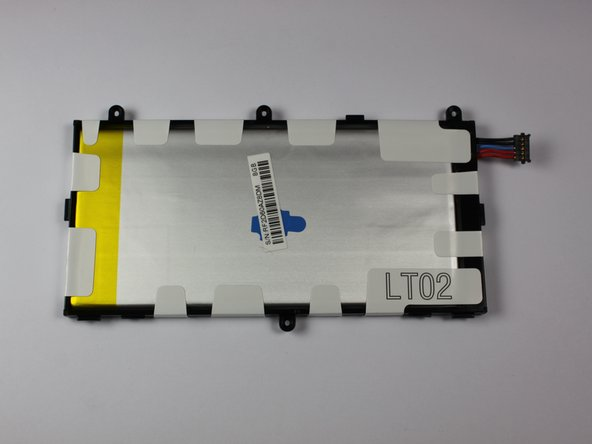 Image 3/3: Once the battery is removed, it should look as it does in the third picture.