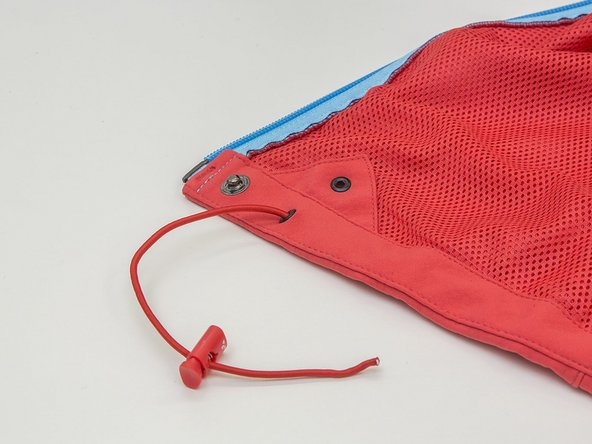 How do I replace a cord stopper on my Vaude jacket drawstring?