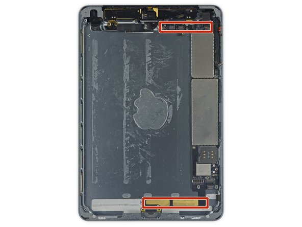 Image 2/2: In the following steps pry ''only'' where directed so as to avoid damaging your logic board.