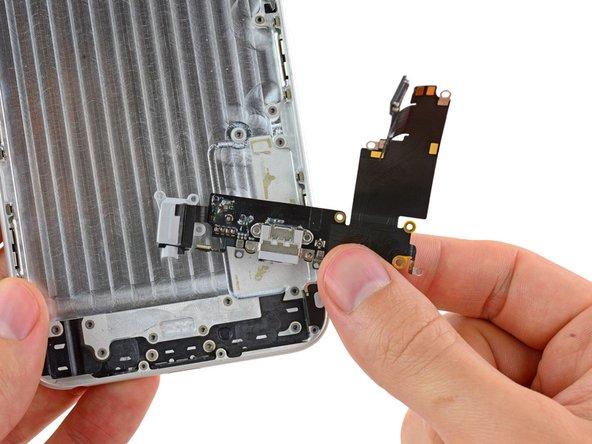 iPhone 6 Plus のLightning コネクターとヘッドホンジャックケーブルの交換