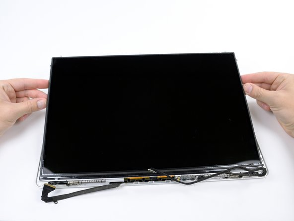 "MacBook Pro 17"" Unibody LCD Replacement"