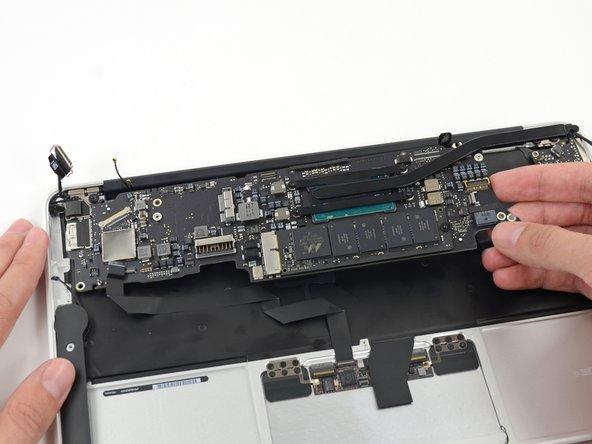 MacBook Air 11インチ Mid 2013 ロジックボードアセンブリの交換