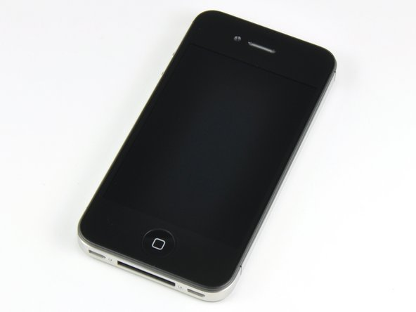 Image 1/2: The iPhone 4 is finally on Verizon!