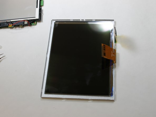 Image 1/2: Note: if your screen is not cracked but the front of the protective box is. You will need to replace the protective box.