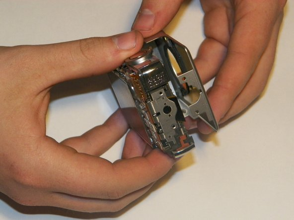 Image 2/3: Once disconnected, the two parts of the frame can be easily separated by using your fingers.