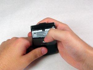 how to get pictures off motorola razr v3