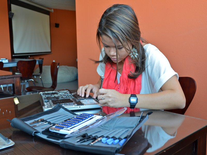 Repairing a MacBook Pro