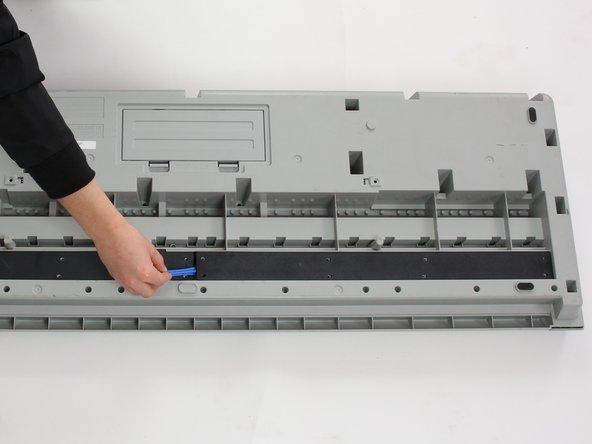 Image 1/2: Remove panels