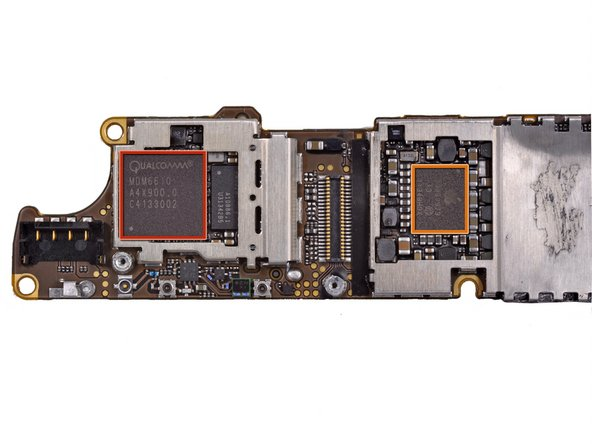 Image 1/2: Qualcomm [http://www.qualcomm.com/products-services/chipsets/mobile-data|MDM6610] chipset (an upgrade from the [guide|4693|iPhone 4's MDM6600|stepid=21254])