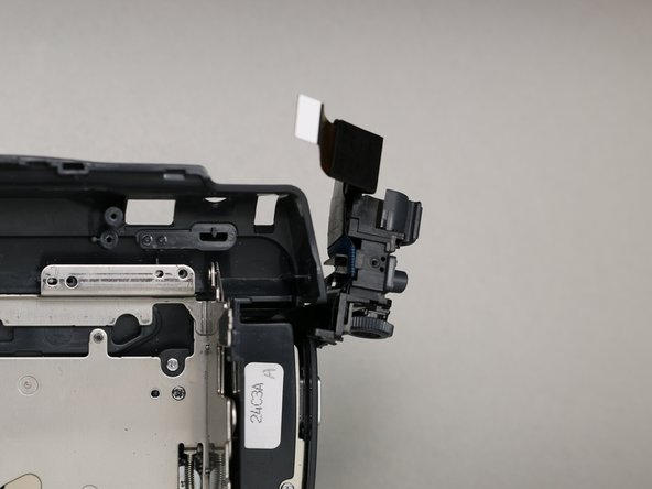 Make sure the camera operation buttons are positioned completely outside of the camera frame.