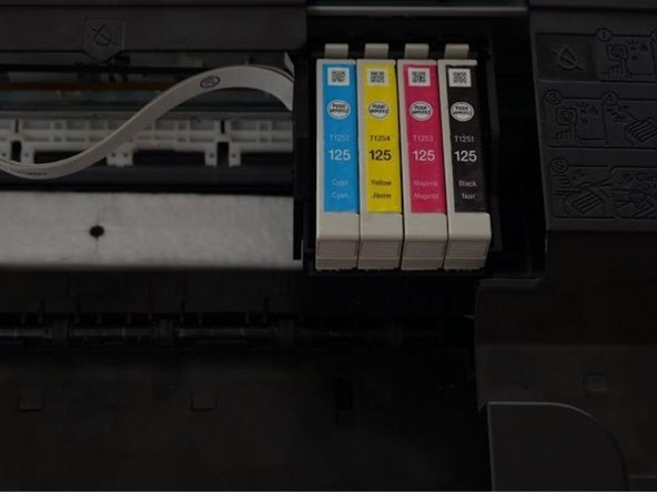 Image 1/1: The ink cartridges should be visible.