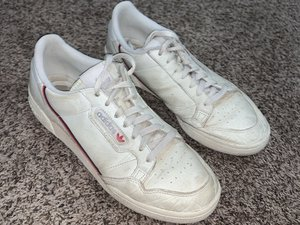 How to Refurbish White Adidas Continental 80 Shoes