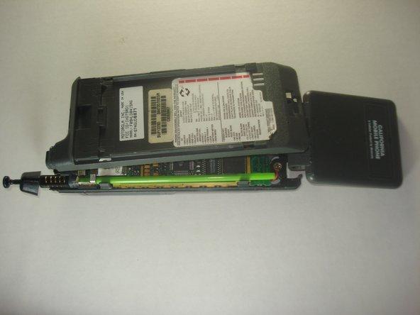 Remplacement du boitier arrière du Motorola California