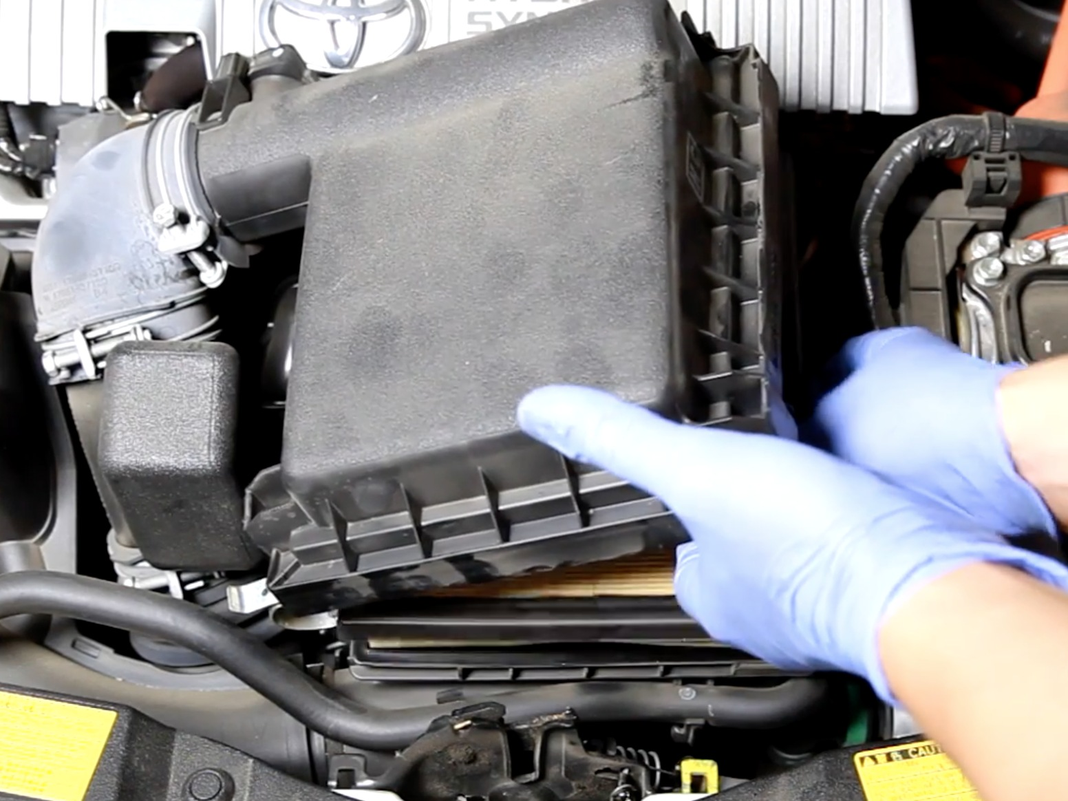 prius filter air toyota engine replacement 2009