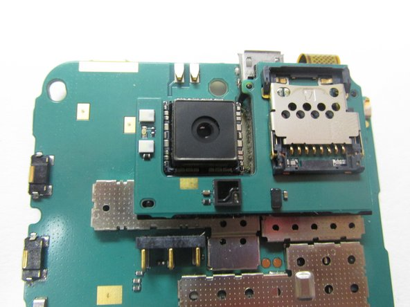 The camera can be popped out easily using a blunt knife or credit card to pop it out. A new camera unit can be then simply put into the same place. In case a Nokia N900 camera unit cannot be found, it is possible to use a Nokia N79 camera without any ill effects.