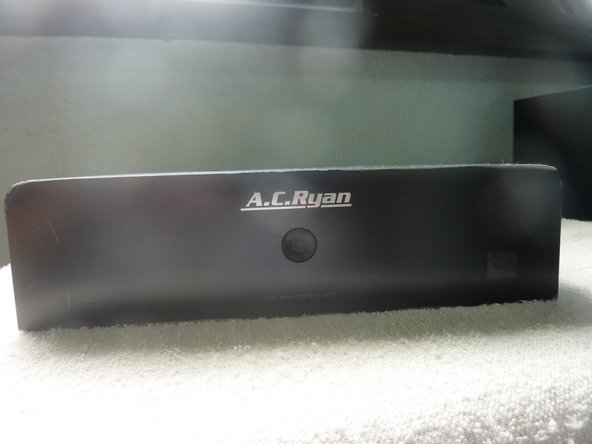 The ACRyan PlayOn HD with remote control.