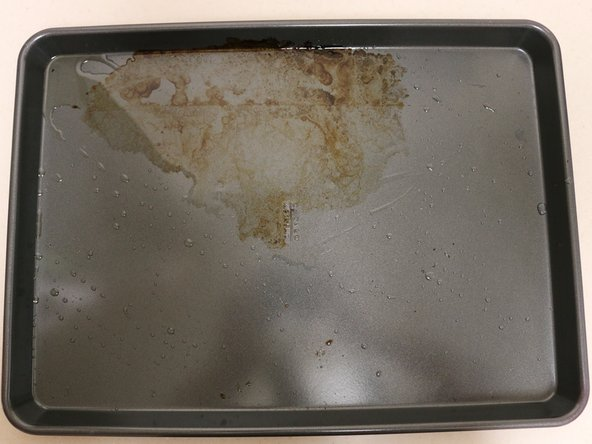 How to Clean Stains On A Baking Sheet