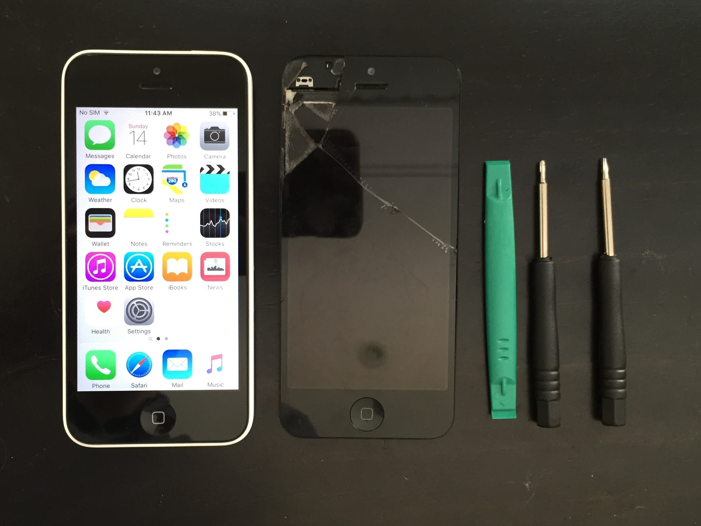 cracked iphone 5c screen iphone 5c screen repair ifixit 1295