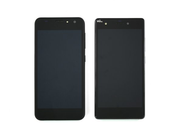 We line a shift5.1 (left) up next to our Wiko Pulp 4G and see some similarities in their designs.