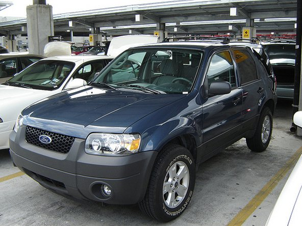 How do I reset the cd player in my Ford Escape? - 2001-2007 Ford ...
