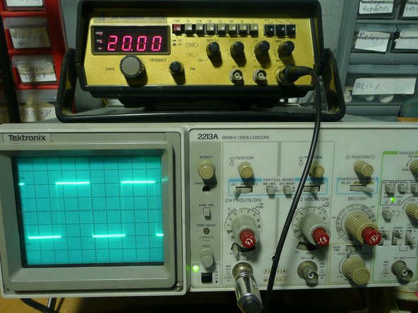 It does actually work, 20 Khz square waves look good on the scope.