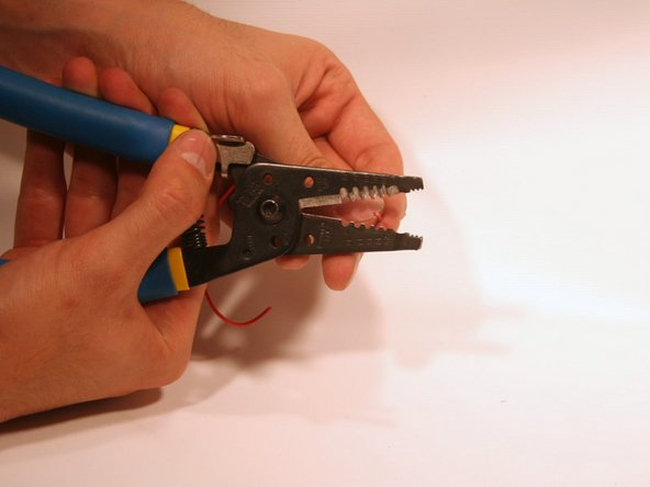 Match your gauge of wire to the gauge on a wire stripper.