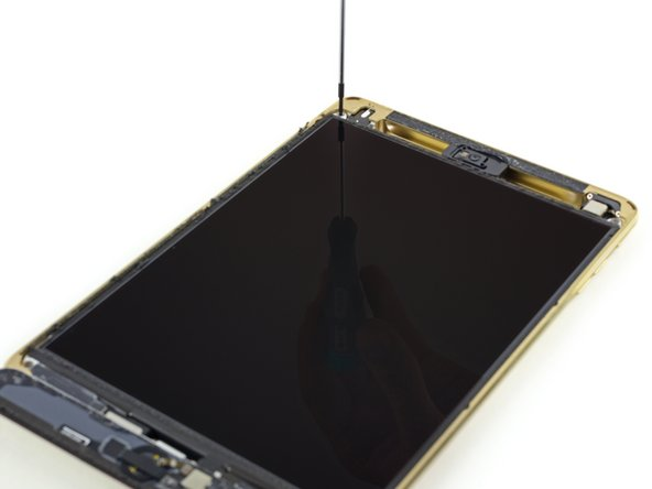 Image 1/3: Unlike in the new [guide|30592|iPad Air 2|stepid=71618], the front panel glass and LCD are still separate components, individually replaceable.
