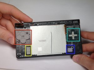 Disassembling Nintendo DSi Bottom case