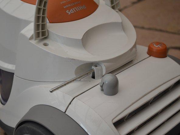 pour ouvrir l'appareil , retirer d'abord le couvercle de filtre , en retirant la charnière après ablation des caches d'extrémité