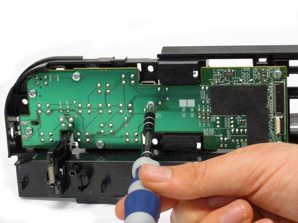 Image 2/2: Seven 8.7 mm Phillips #1 screws