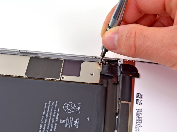 Image 3/3: All this prying and disconnecting is reminding us a lot of our recent [guide|10803|iPod Touch teardown|stepid=38844]. But remember, the Mini and the Touch are, in fact, [http://www.youtube.com/watch?v=Os87PLlyU4k|different devices.]