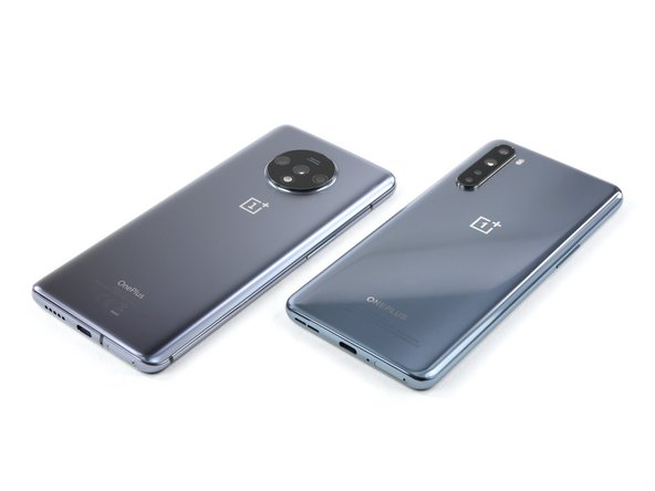 To get your teardown's worth, you need a baseline for comparison. Consider last year's OnePlus 7T (left), which looks so superficially similar we're gonna have to make sure we remember to tear down the correct phone. What's different?