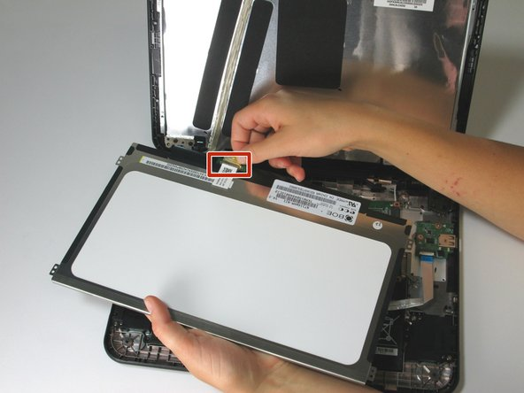 Image 1/2: The screen is very fragile.  When handling it, avoid applying uneven pressure on or bending the screen.