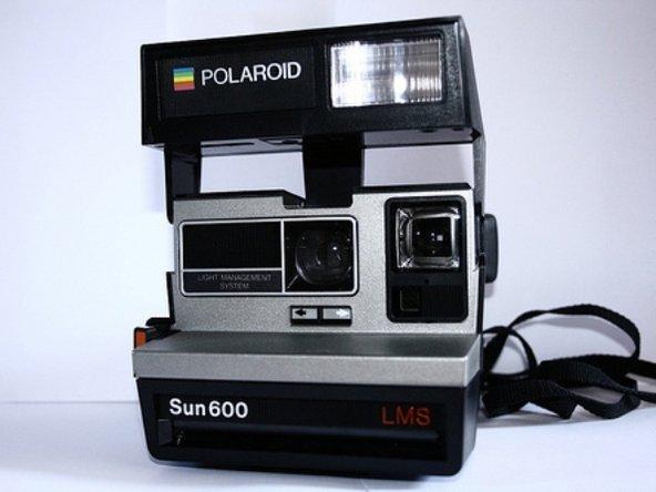 solved where do the batteries go polaroid sun 600 lms ifixit rh ifixit com  Polaroid Sun 6 00 LMS Film