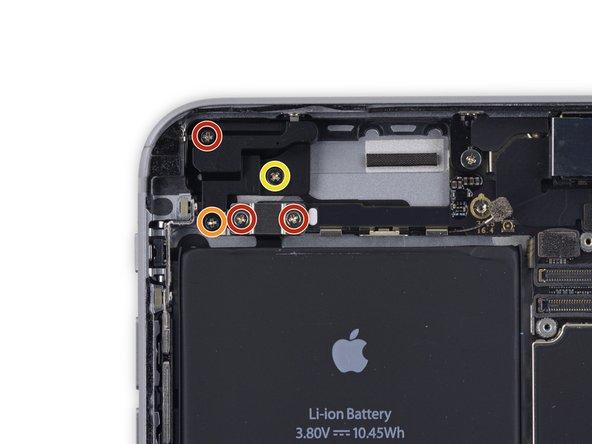 Image 1/1: Three 2.7 mm screws