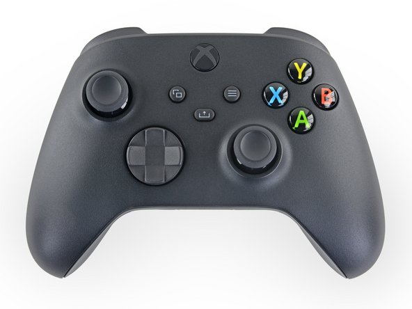 The new Xbox controller looks much like the last one, save for a new share button, an upgraded D-pad, and a USB-C charging port.