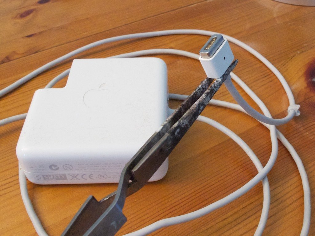 How To Repair An Apple Magsafe Charger Magnetic End