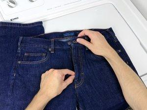 Wie Sie eine Jeans-Hose waschen und trocknen