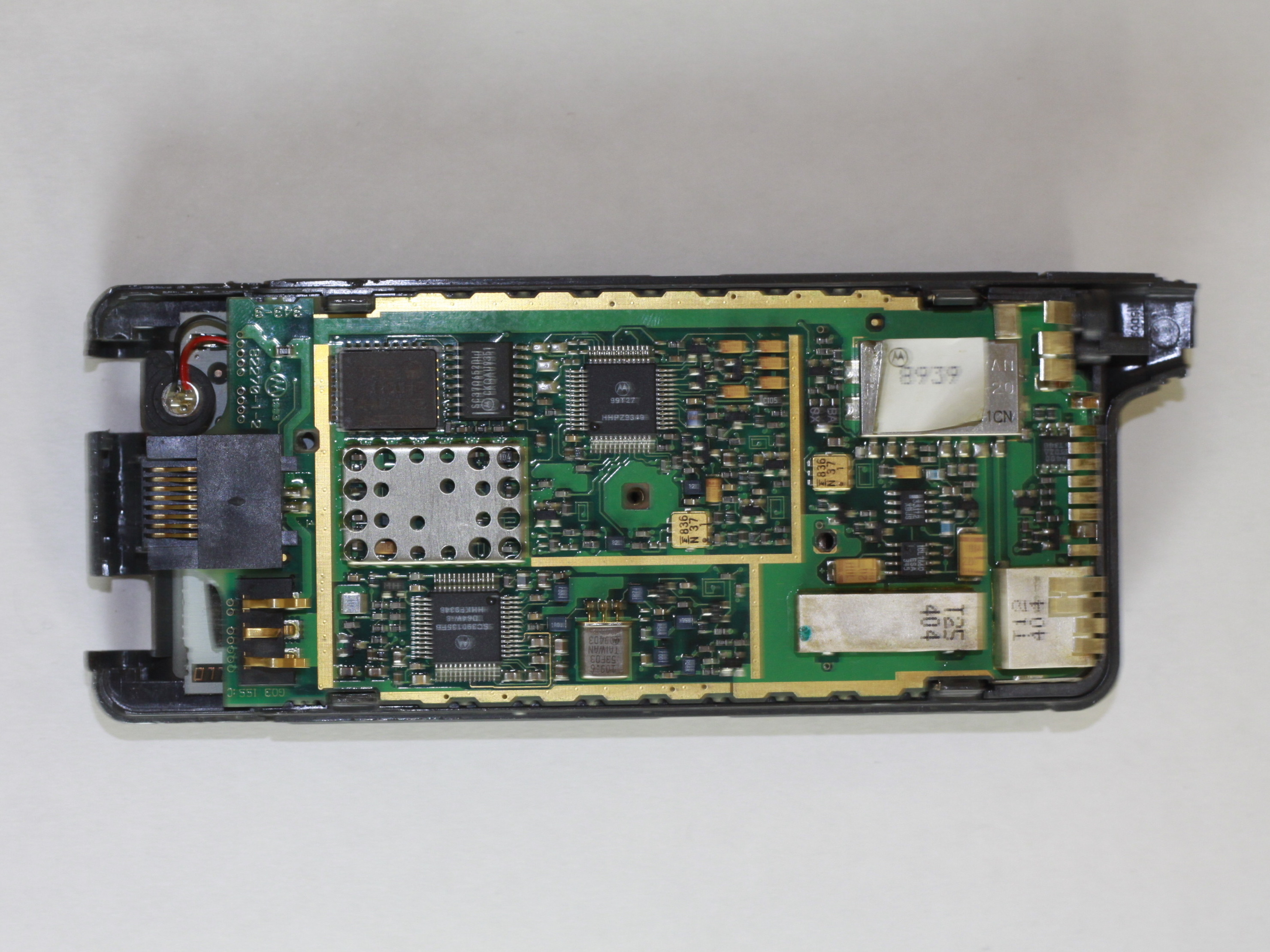 Motorola California Mobile Phone Motherboard Replacement - iFixit ...