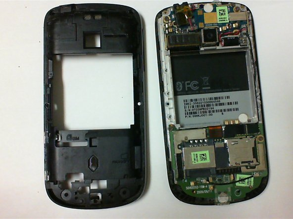 Go around the edges of the phone, and continue to dislodge the back plate from the front part of the phone.