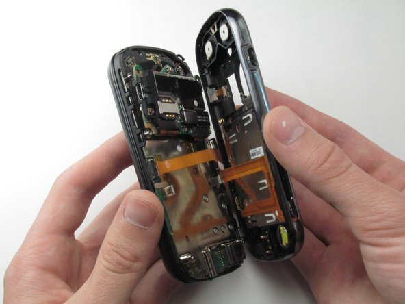 Disassembling Motorola Cliq Rear Casing