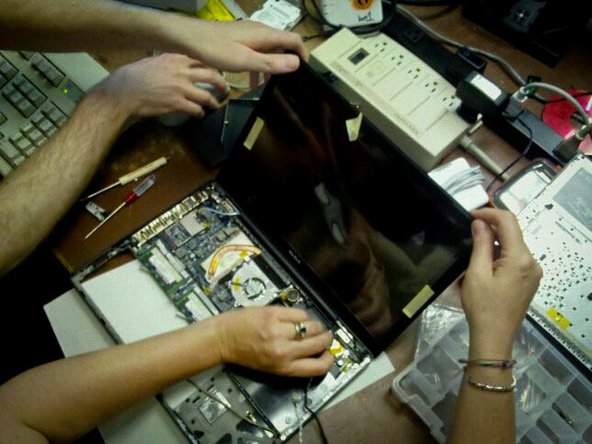 Right to Repair at Makerspace Urbana help desk