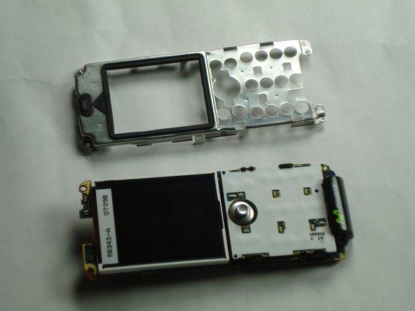 Ne pas plier les clips au-delà de 2mm ou ils pourraient se casser.