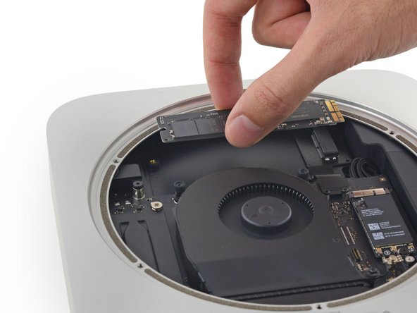 Mac mini Late 2014 SSDの交換