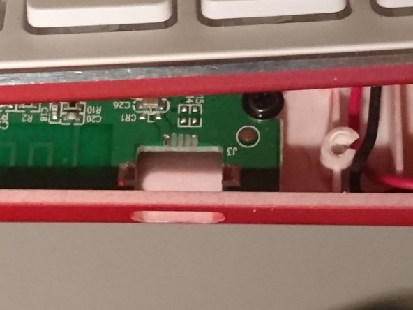 Now the PCB with the broken off USB jack is accessible. The soldering on the shield was really not so good. No wonder that it broke off so easily!
