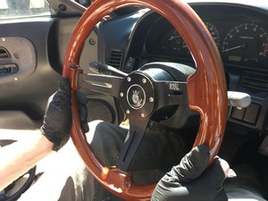 1988-1994 Nissan Model 240SX Steering Wheel Replacement