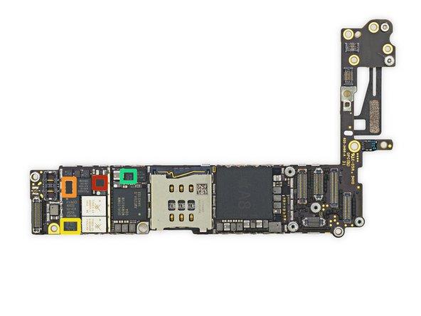 Meer IC's op de voorkant van de printplaat.