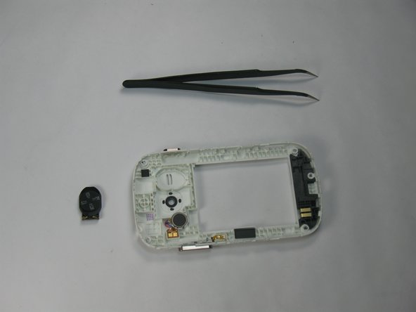 Replace the new speaker and re-assembly the phone.