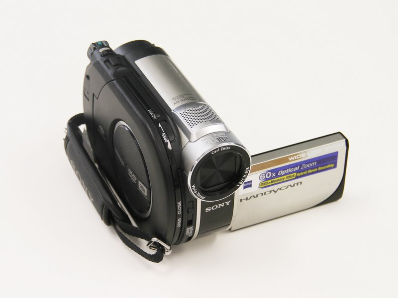 Sony Handycam DCR-HCR40E Camcorder With Bag Charger Remote Tripod AV Cable PAL