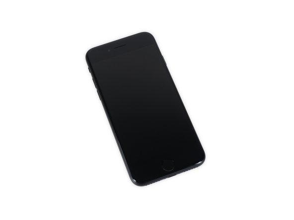 iPhone 7の分解作業を始める前に、ディスプレイ上に新しい追加点を幾つか発見できます。